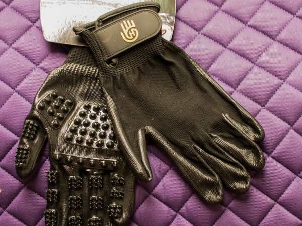 Hands On Grooming Gloves Review