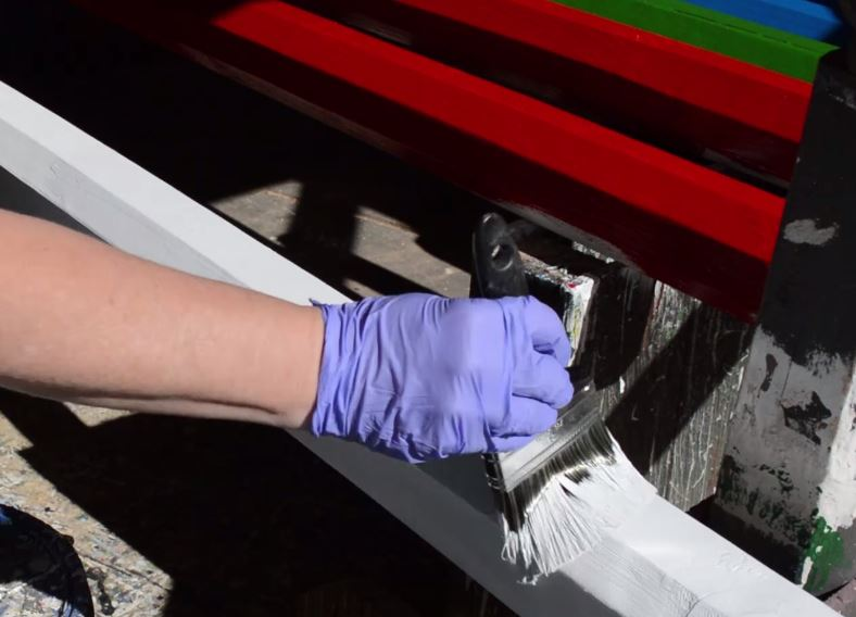 painting horse jump rails