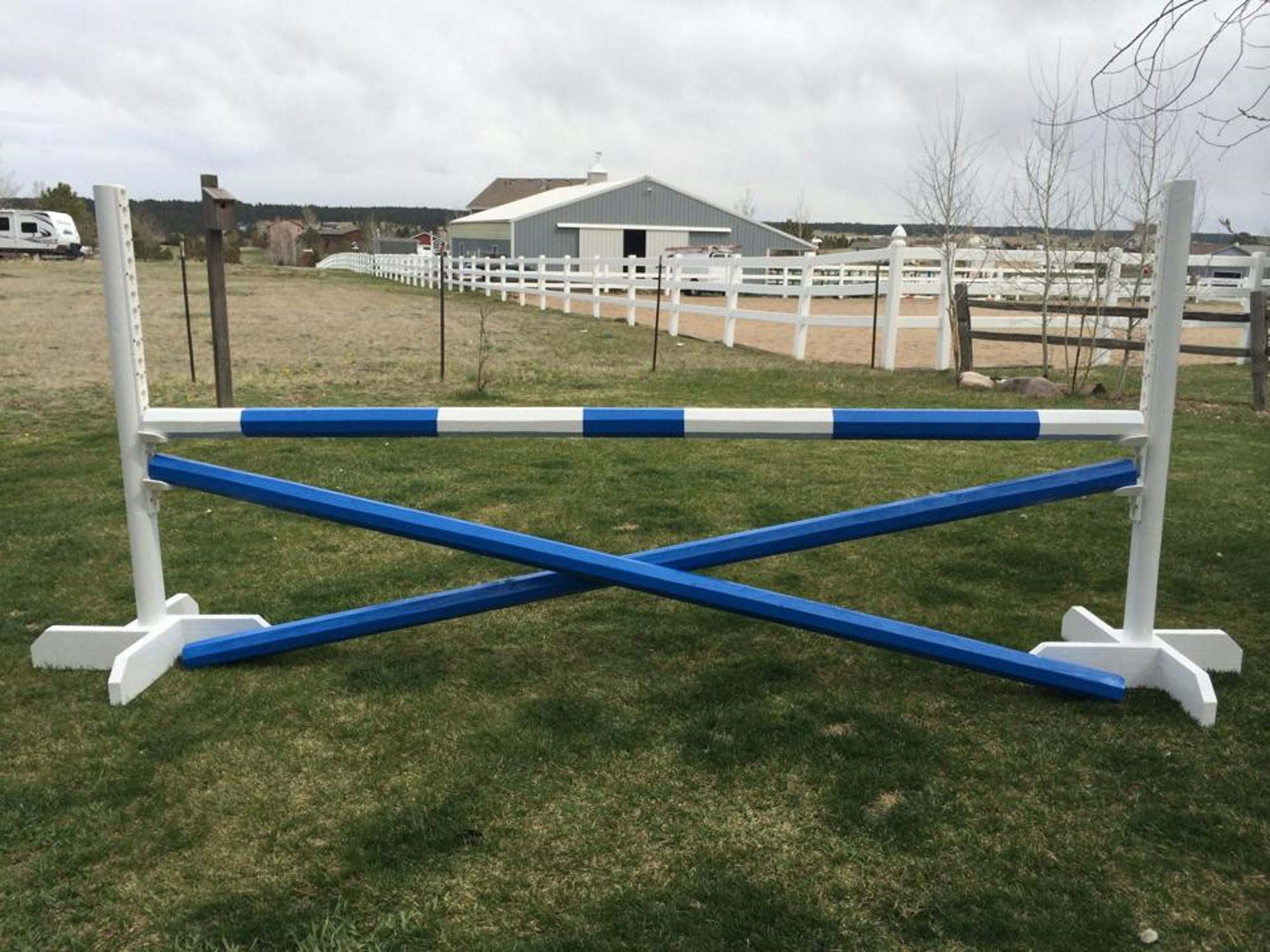 free book on building horse jumps
