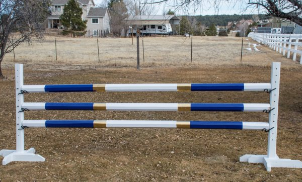 Choosing Paint For Horse Jumps