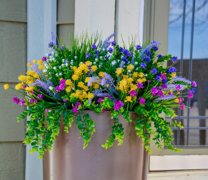 How To Make A Beautiful Outdoor Floral Arrangement Budget Equestrian