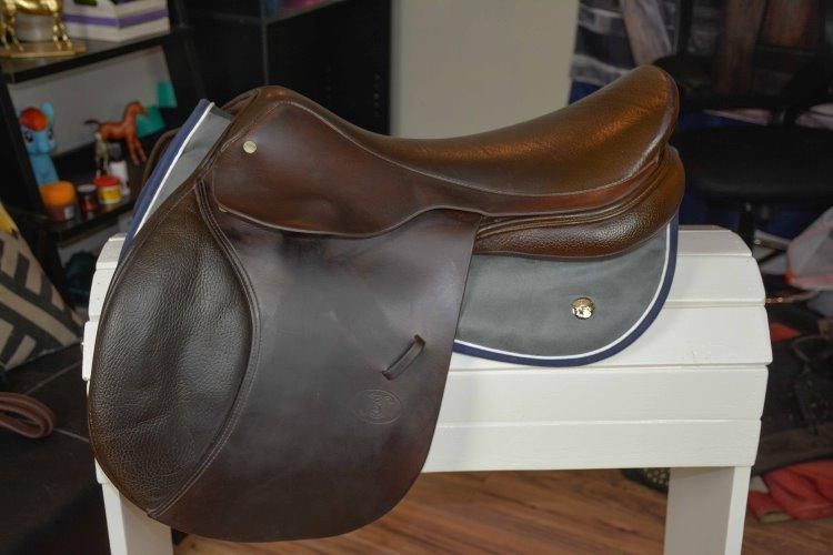 an english saddle