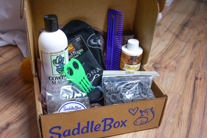 April saddle box unboxing