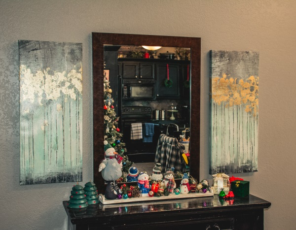 Easy And Affordable Christmas Decorating