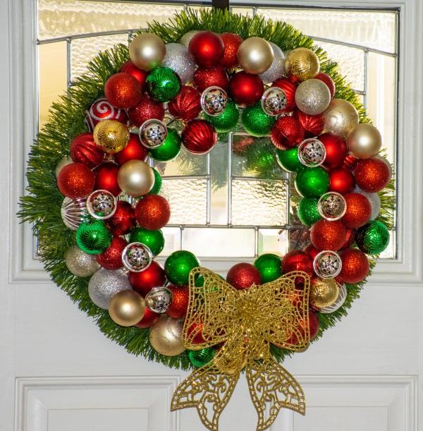 Diy Christmas Ornament Wreath Budget Equestrian