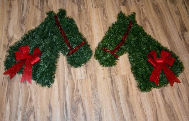 DIY Horse Head Christmas Wreath