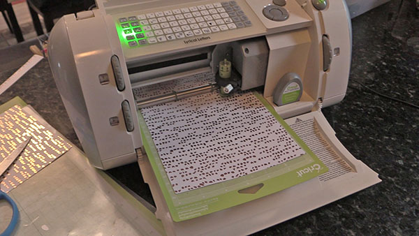 cricut machine for cutting out letters