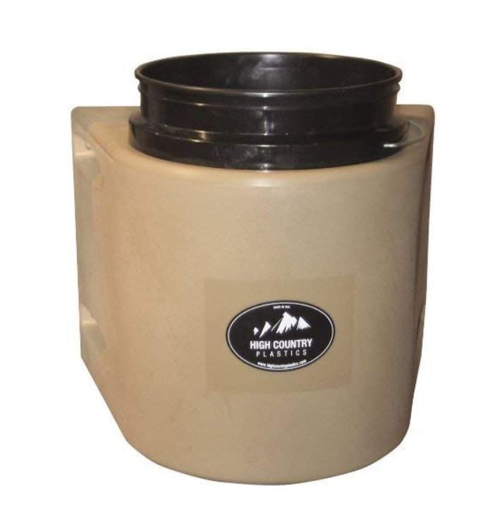 water bucket insulator for winter time horse care